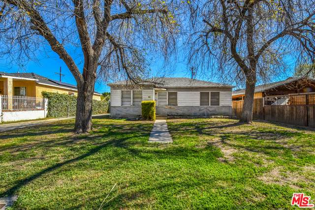 14436 Carlsbad St, Sylmar, CA 91342 (MLS #21-698188) :: Zwemmer Realty Group