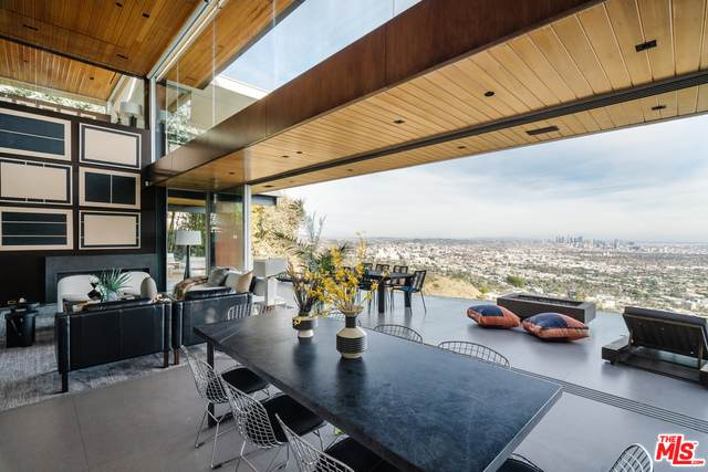 8400 Grand View Dr, Los Angeles, CA 90046 (#21-698408) :: The Grillo Group