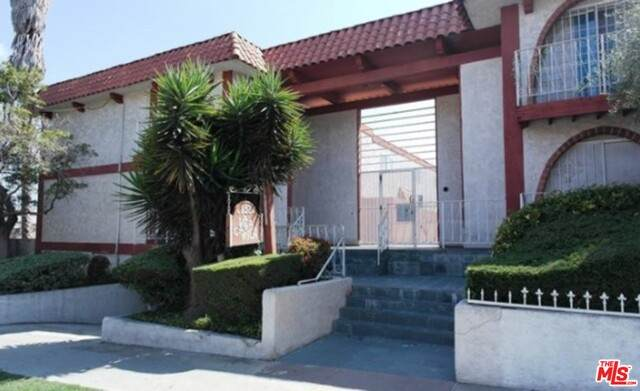 852 W Beach Ave #9, Inglewood, CA 90302 (#21-698432) :: The Grillo Group