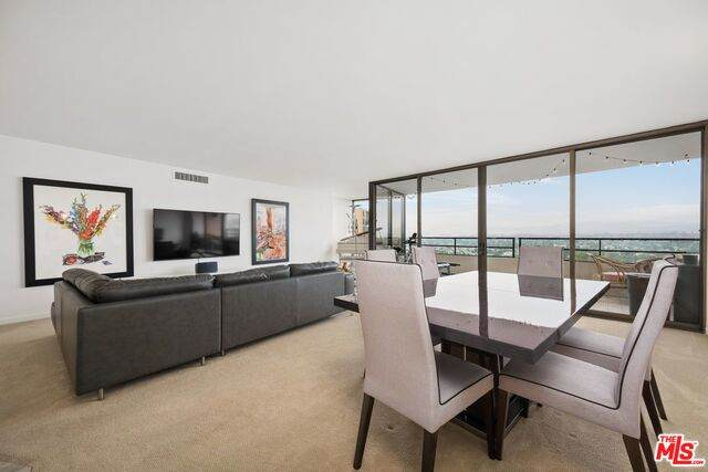 4337 Marina City #1135, Marina Del Rey, CA 90292 (MLS #21-698990) :: Hacienda Agency Inc
