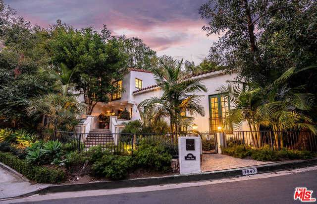 1643 Queens Rd, Los Angeles, CA 90069 (MLS #21-699130) :: The John Jay Group - Bennion Deville Homes