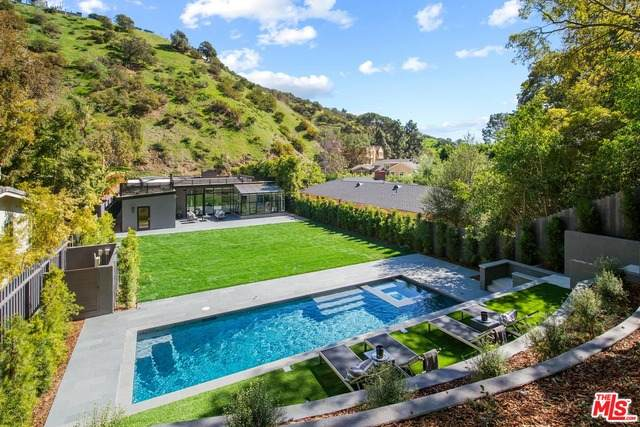 1833 Franklin Canyon Dr, Beverly Hills, CA 90210 (MLS #21-699150) :: The Jelmberg Team