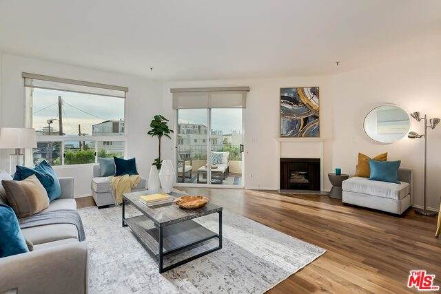 255 Main St #207, Venice, CA 90291 (MLS #21-699778) :: The Jelmberg Team