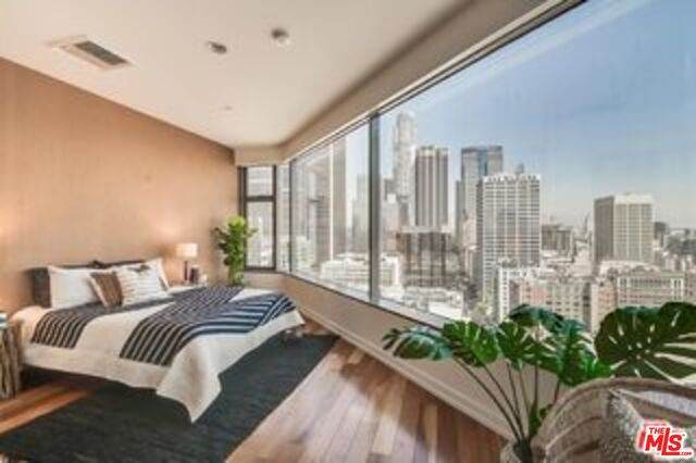 801 S Grand Ave #2107, Los Angeles, CA 90017 (#21-700280) :: Berkshire Hathaway HomeServices California Properties