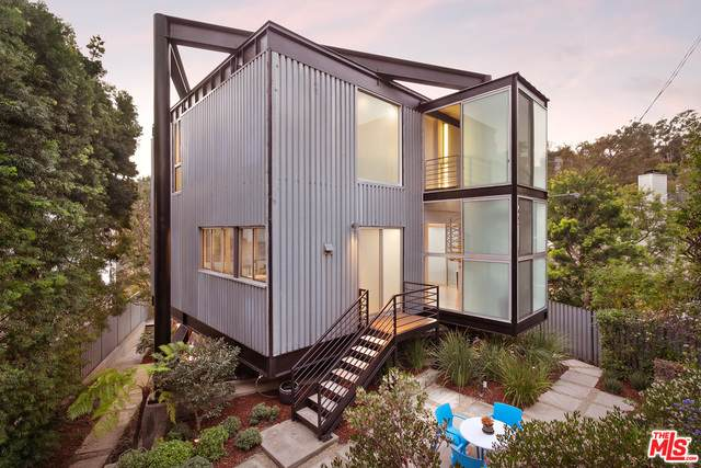 444 Sycamore Rd, Santa Monica, CA 90402 (MLS #21-700386) :: The Jelmberg Team