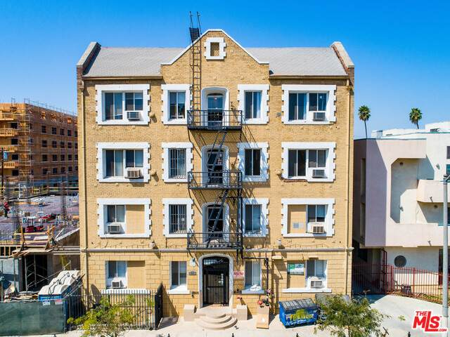 833 Fedora St, Los Angeles, CA 90005 (#21-700448) :: The Grillo Group