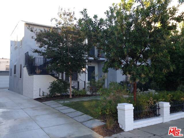 117 N Orlando Ave, Los Angeles, CA 90048 (MLS #21-700500) :: Mark Wise | Bennion Deville Homes