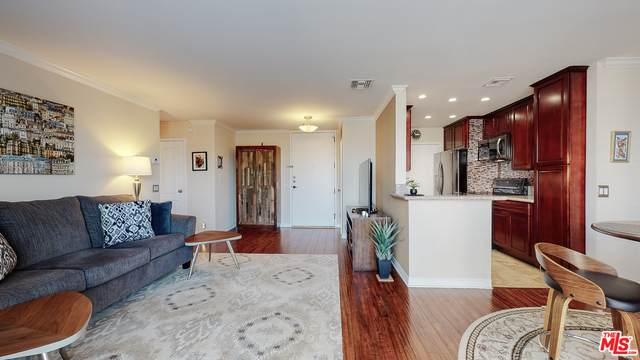 100 S Doheny Dr #421, Los Angeles, CA 90048 (MLS #21-700628) :: Mark Wise | Bennion Deville Homes