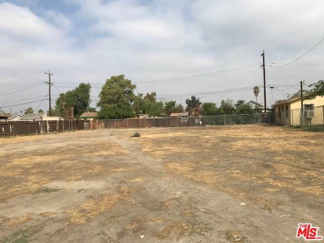 204 E 6Th St, Bakersfield, CA 93307 (#21-700648) :: TruLine Realty