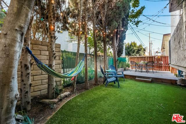 1916 Overland Ave #3, Los Angeles, CA 90025 (#21-700672) :: Berkshire Hathaway HomeServices California Properties
