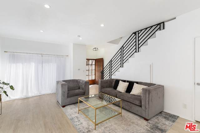 822 Victor Ave #18, Inglewood, CA 90302 (#21-700696) :: The Grillo Group