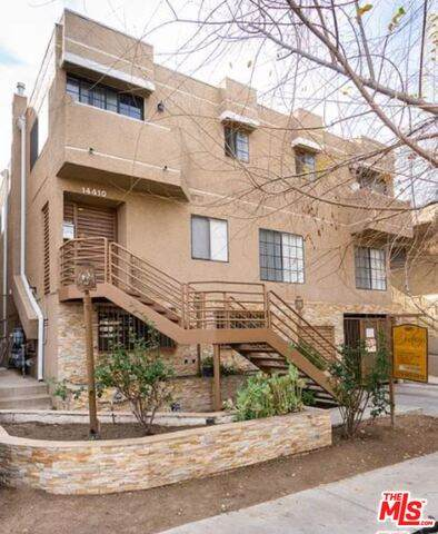 14410 Dickens St, Sherman Oaks, CA 91423 (MLS #21-700714) :: The Jelmberg Team
