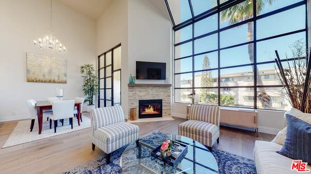 11636 Montana Ave #301, Los Angeles, CA 90049 (#21-701134) :: The Grillo Group