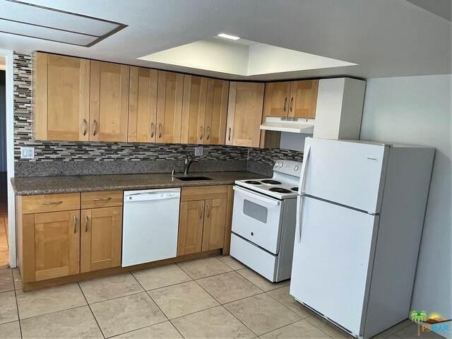 64285 Spyglass Ave #28, Desert Hot Springs, CA 92240 (#21-701564) :: The Parsons Team
