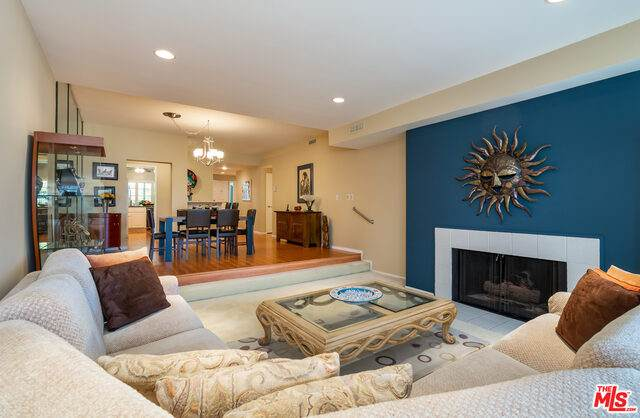 4342 Redwood Ave C-211, Marina Del Rey, CA 90292 (#21-701784) :: The Grillo Group
