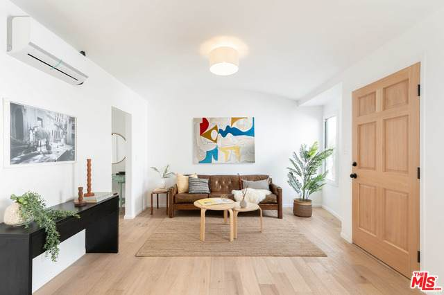 5846-1/2 Willoughby Ave, Los Angeles, CA 90038 (MLS #21-703030) :: The John Jay Group - Bennion Deville Homes