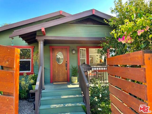 6172 St Albans St, Los Angeles, CA 90042 (#21-703940) :: Berkshire Hathaway HomeServices California Properties