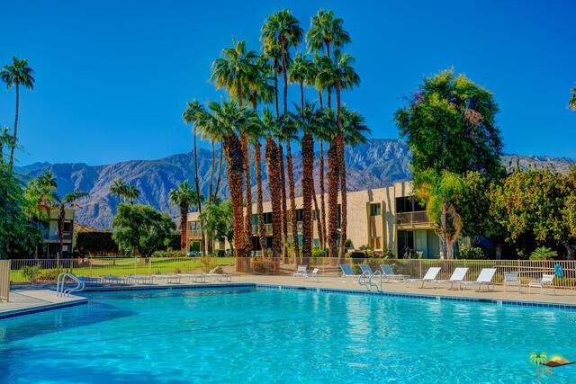 435 Desert Lakes Cir - Photo 1