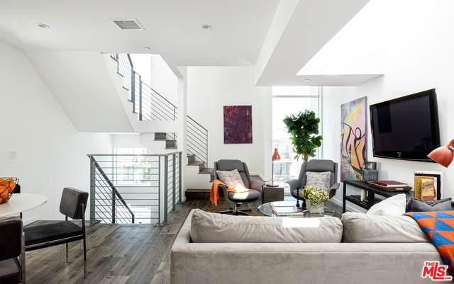 6915 Knowlton Pl, Los Angeles, CA 90045 (MLS #21-706900) :: Mark Wise | Bennion Deville Homes