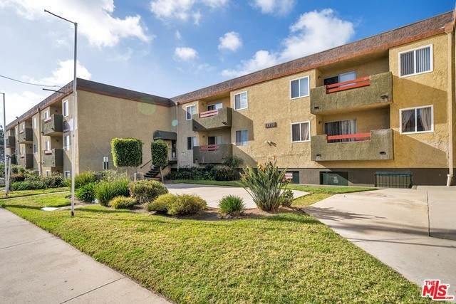 13266 Foothill Blvd, Sylmar, CA 91342 (MLS #21-707088) :: Zwemmer Realty Group