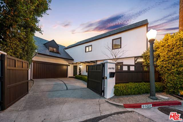 6698 Whitley Ter, Los Angeles, CA 90068 (#21-707420) :: TruLine Realty