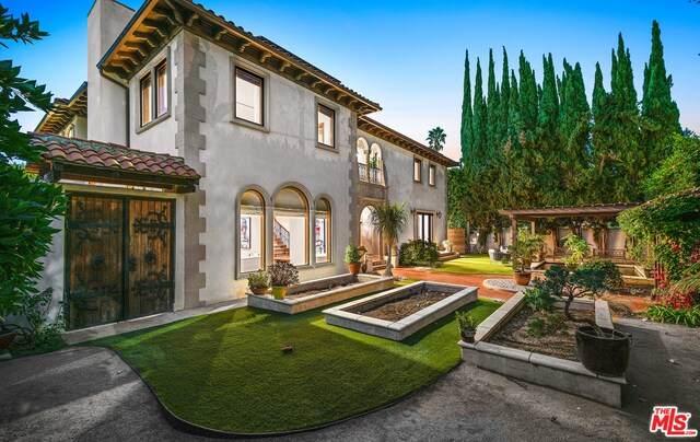 11159 La Maida St, North Hollywood, CA 91601 (#21-707426) :: Randy Plaice and Associates
