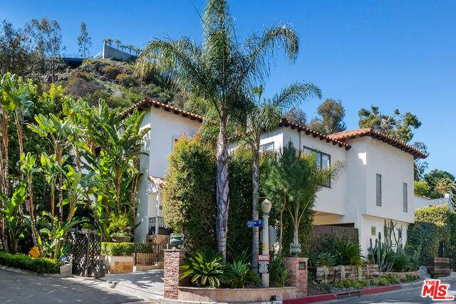 1501 N Beverly Dr, Beverly Hills, CA 90210 (#21-710558) :: The Grillo Group