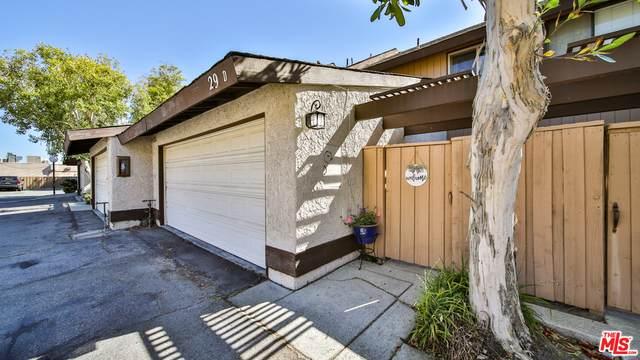 24829 Apple St D, Newhall, CA 91321 (#21-710804) :: Randy Plaice and Associates