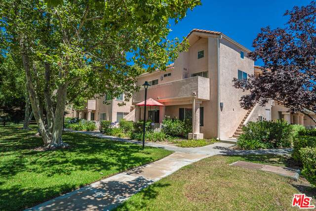 21227 Trumpet Dr #201, Newhall, CA 91321 (#21-711120) :: TruLine Realty