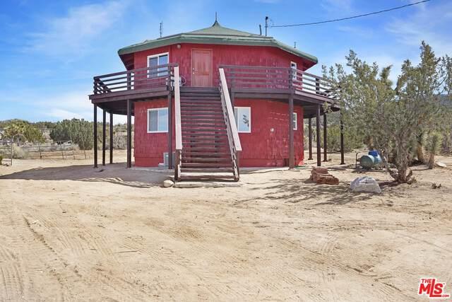 1979 Vista Rd, Pinon Hills, CA 92372 (#21-711672) :: Angelo Fierro Group | Compass