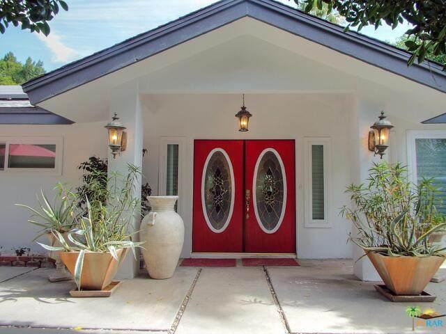 1524 S Calle Marcus, Palm Springs, CA 92264 (MLS #21-712344) :: The Jelmberg Team