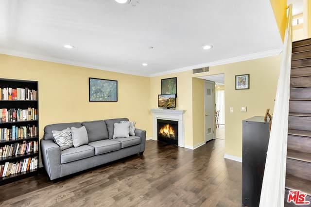 1043 Thompson Ave #14, Glendale, CA 91201 (#21-712352) :: Berkshire Hathaway HomeServices California Properties