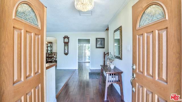 17604 Horace St, Granada Hills, CA 91344 (#21-713052) :: TruLine Realty
