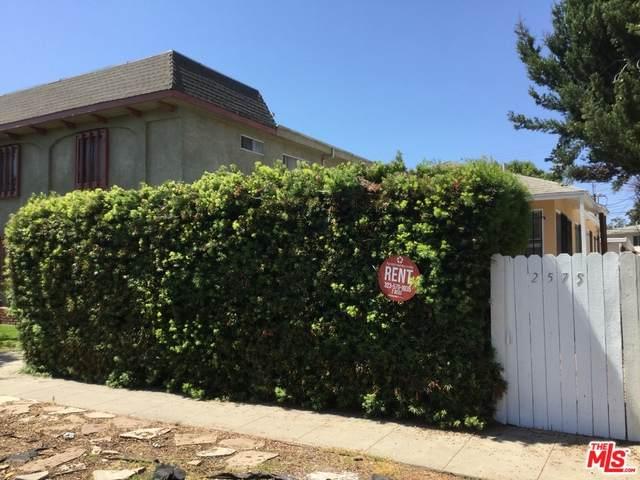 2575 S Barrington Ave, Los Angeles, CA 90064 (MLS #21-714046) :: The Jelmberg Team