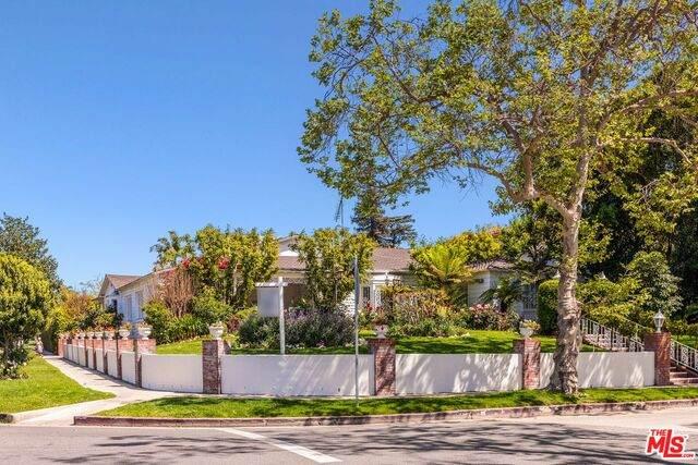 180 N Las Palmas Ave, Los Angeles, CA 90004 (#21-714274) :: TruLine Realty