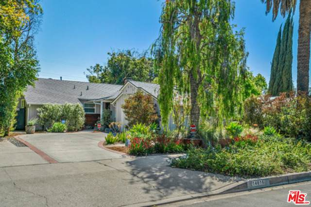 14616 Hesby St, Sherman Oaks, CA 91403 (#21-714764) :: The Parsons Team