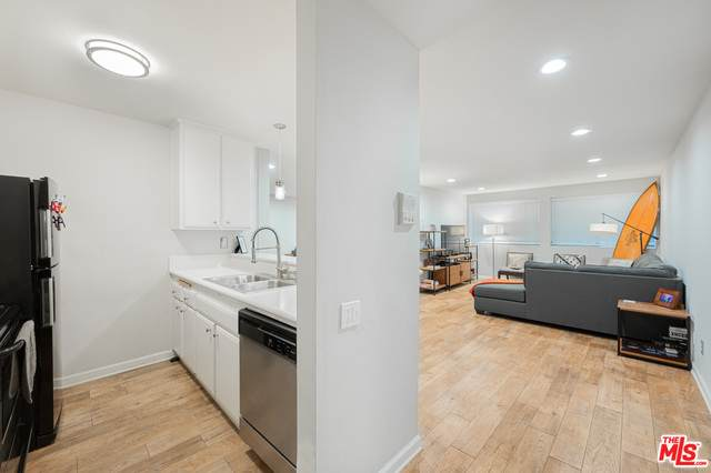 532 N Rossmore Ave #103, Los Angeles, CA 90004 (MLS #21-714792) :: Mark Wise | Bennion Deville Homes