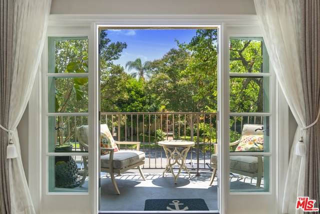 277 S Spalding Dr #201, Beverly Hills, CA 90212 (#21-715216) :: Berkshire Hathaway HomeServices California Properties