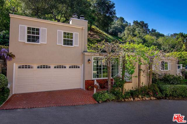 9654 Yoakum Dr, Beverly Hills, CA 90210 (MLS #21-715628) :: Mark Wise | Bennion Deville Homes