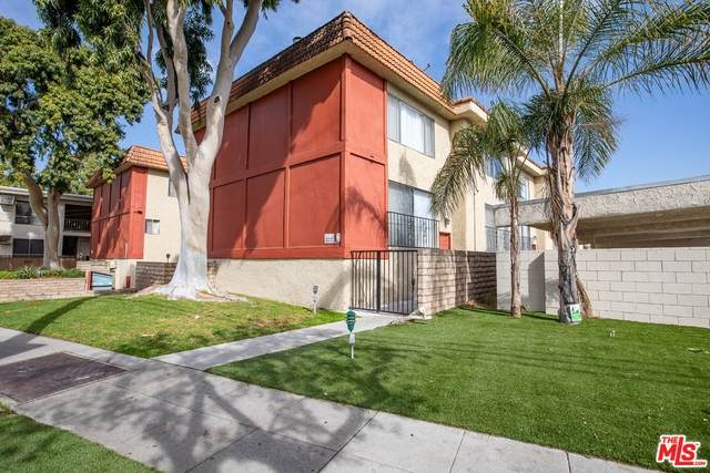 1910 Grismer Ave F, Burbank, CA 91504 (#21-715918) :: The Parsons Team