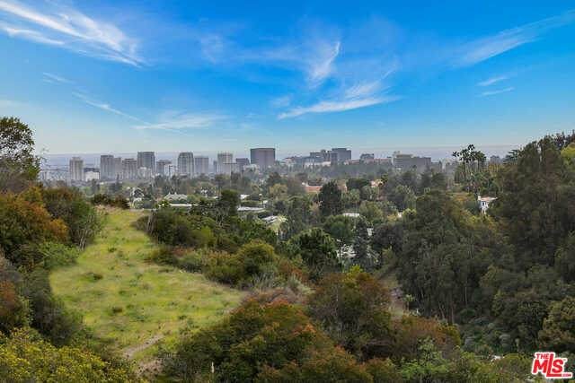 1444 Benedict Canyon Dr, Beverly Hills, CA 90210 (#21-715944) :: Compass