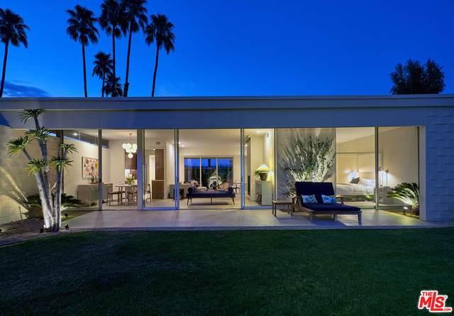 320 Desert Lakes Dr, Palm Springs, CA 92264 (MLS #21-715964) :: The Jelmberg Team