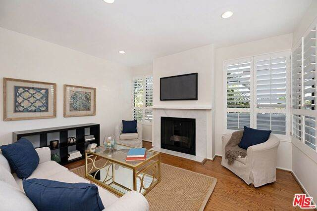 12115 San Vicente Blvd #209, Los Angeles, CA 90049 (#21-716208) :: Amazing Grace Real Estate | Coldwell Banker Realty
