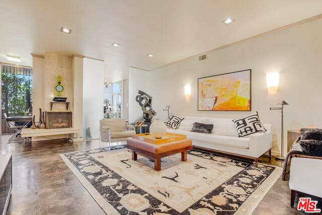 1333 S Beverly Glen Blvd #404, Los Angeles, CA 90024 (#21-716392) :: Amazing Grace Real Estate | Coldwell Banker Realty
