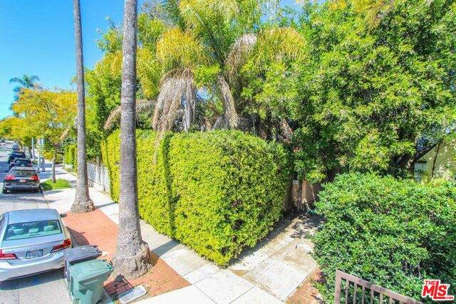 8929 Rosewood Ave, West Hollywood, CA 90048 (#21-716420) :: Amazing Grace Real Estate | Coldwell Banker Realty