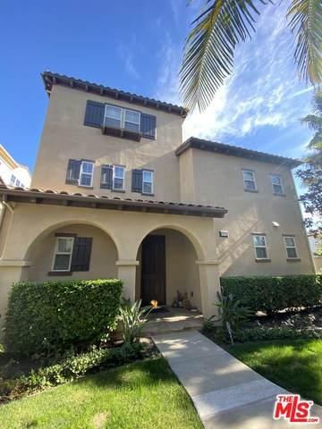 8473 Hibiscus Cir, Huntington Beach, CA 92646 (MLS #21-716524) :: The Jelmberg Team
