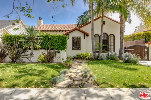 358 S Sycamore Ave, Los Angeles, CA 90036 (MLS #21-716616) :: The Jelmberg Team
