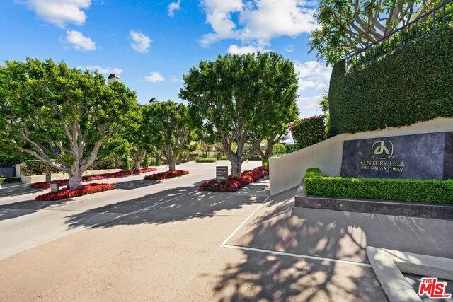 2196 Century Hl, Los Angeles, CA 90067 (MLS #21-716826) :: Mark Wise | Bennion Deville Homes