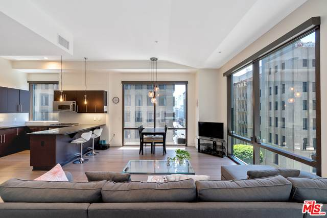 655 S Hope St #604, Los Angeles, CA 90017 (MLS #21-716896) :: The Sandi Phillips Team