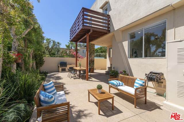 11870 Washington Pl #105, Los Angeles, CA 90066 (#21-717066) :: Amazing Grace Real Estate | Coldwell Banker Realty